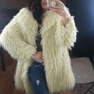 ⭐ Chunky Cream Shag Faux Fur Coat Jacket L